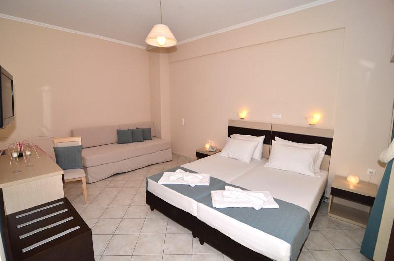 Accommodation at al mare beach hotel in tsilivi zakynthos for Garden room flooring